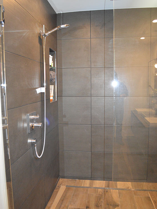 walk in shower, linear drain, smooth slope